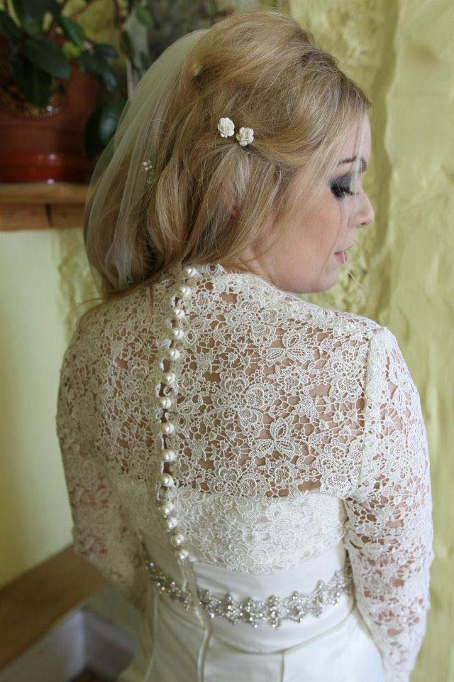 Courtney: Ivory Guipure Lace